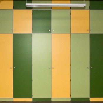 Goethe-Gymnasium Frontansicht Einbauschränke