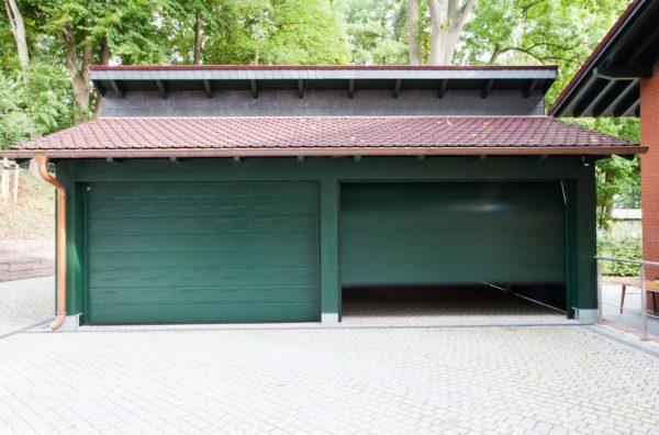 Tischlerei Dähne Objekt - Kleinzerlangen_Mosolf - Garagensektionaltor